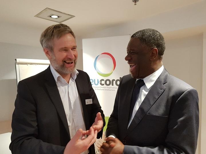 Fidan toiminnanjohtaja Harri Hakola ja tohtori Denis Mukwege