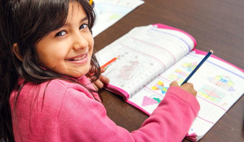 Koulu antaa tietojen ja taitojen lisäksi korvaamattoman tärkeää itseluottamusta romanilapsille.