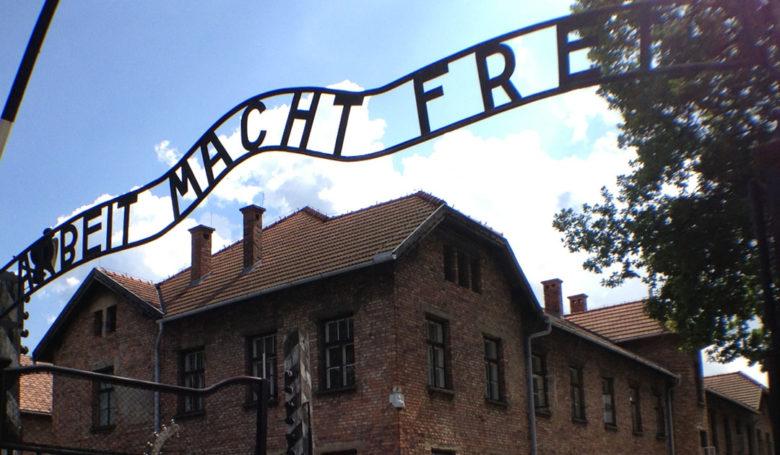 Auschwitz-Birkenaun tuhoamisleiri on maailman suurin hautausmaa