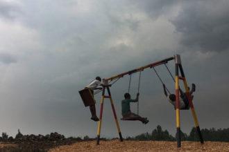 Miljoonien kongolaislasten haaveena on turva: mahdollisuus leikkiä ja käydä koulua ilman väkivallan ja sodan pelkoa.