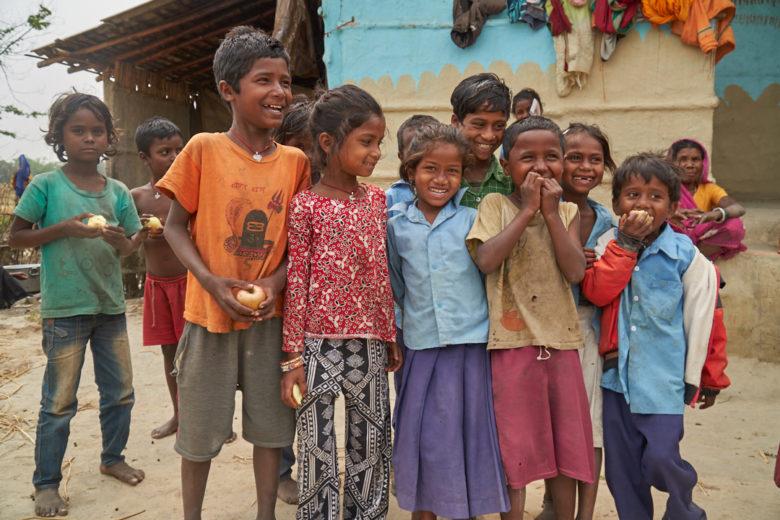 Tämä ei ole oikein! Ymmärrätkö – sinä olet samanarvoinen! Sinä pystyt mihin vaan! Tuon viestin haluaisin kertoa jokaiselle lapselle Nepalissa.