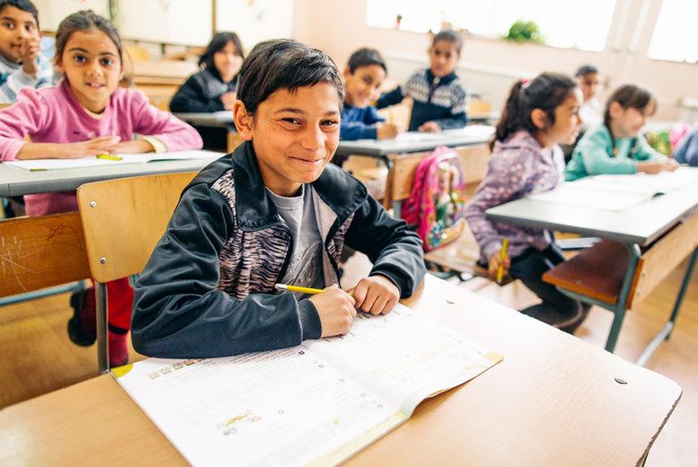 Koulukäynti auttaa romanit köyhyydestä