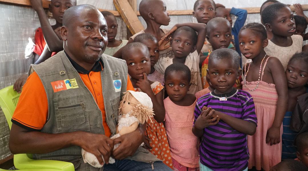 Welongo Faizi työskentelee pakolaisten parissa Kongossa